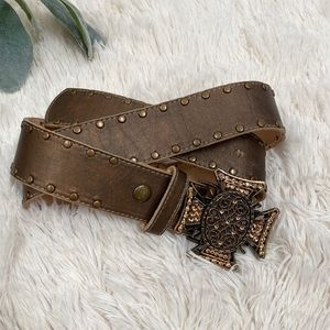 Cache medium brown leather gold belt cross buckle